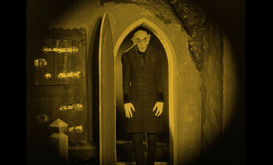 Nosferatu (1922) dirigida por F. W. Murnau
